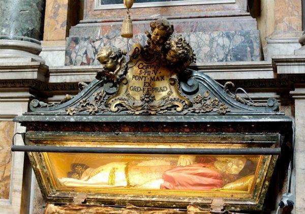 Tomba del papa - Monastero di Santa Croce