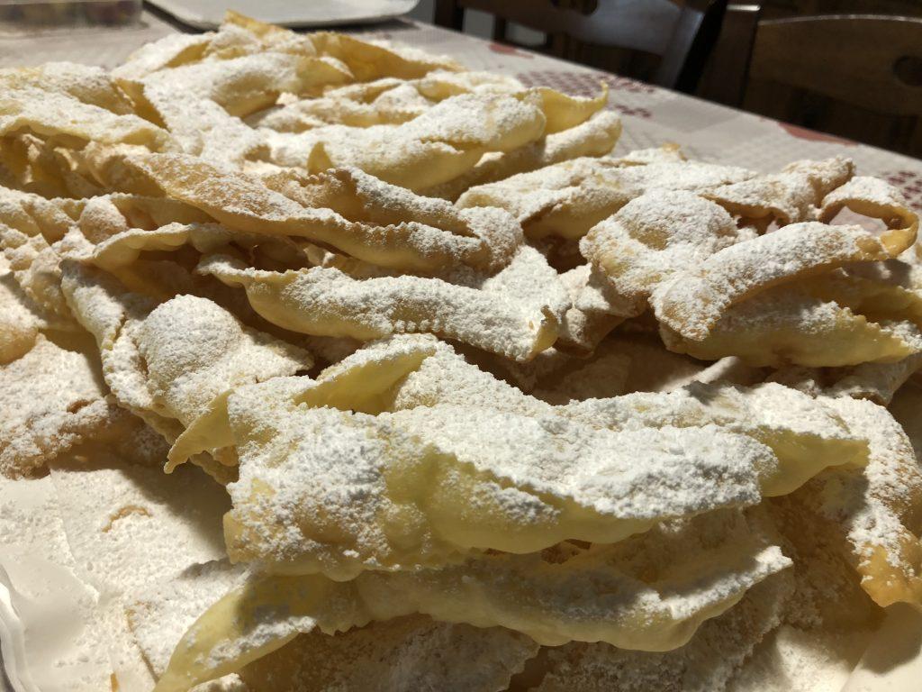 chiacchere-fiocchi-dolci-carnevale