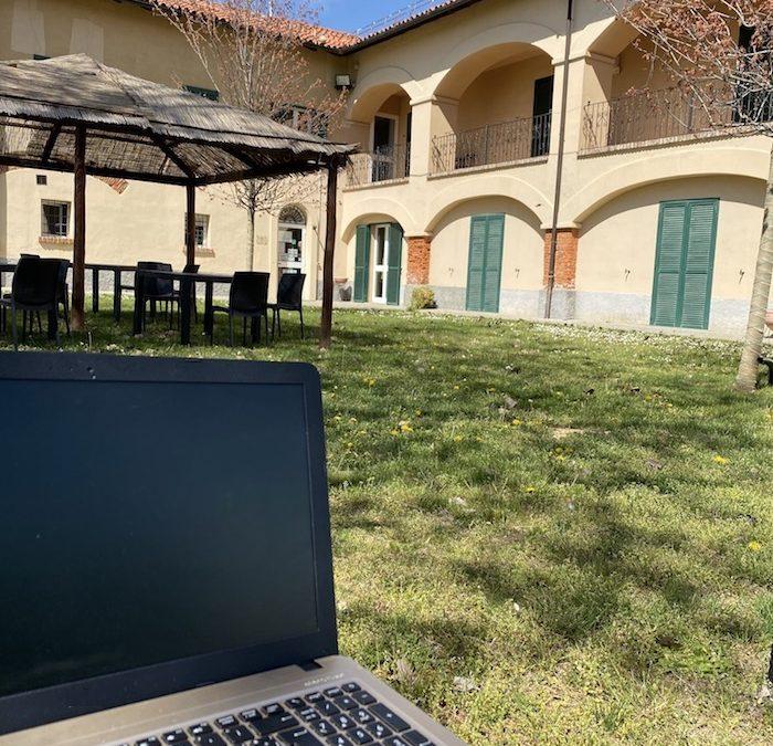 Se devi lavorare in smartworking e vuoi farlo in modo piacevole, fallo dall'agriturismo della Marchesa a Gavi, nel Monferrato.